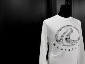 906 by KUHL ブランド名で織り成すデザイン!「NRレターロングTシャツ」発売中!