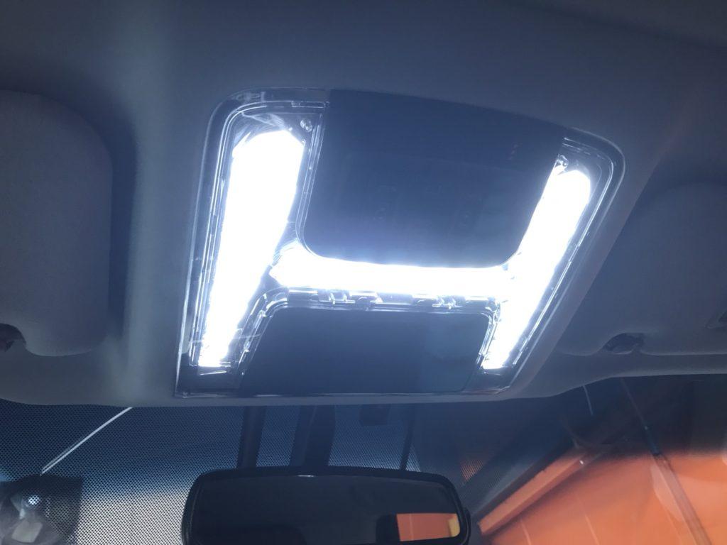 ★ 30 アルファード ヴェルファイア ルームランプ AVEST お取付 LED 明るい カッコイイ こだわり カスタム ★